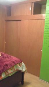 Closet de dos puertas corredizas