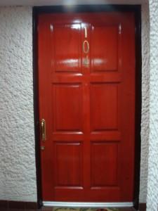 Puerta de cedro para entrada principal